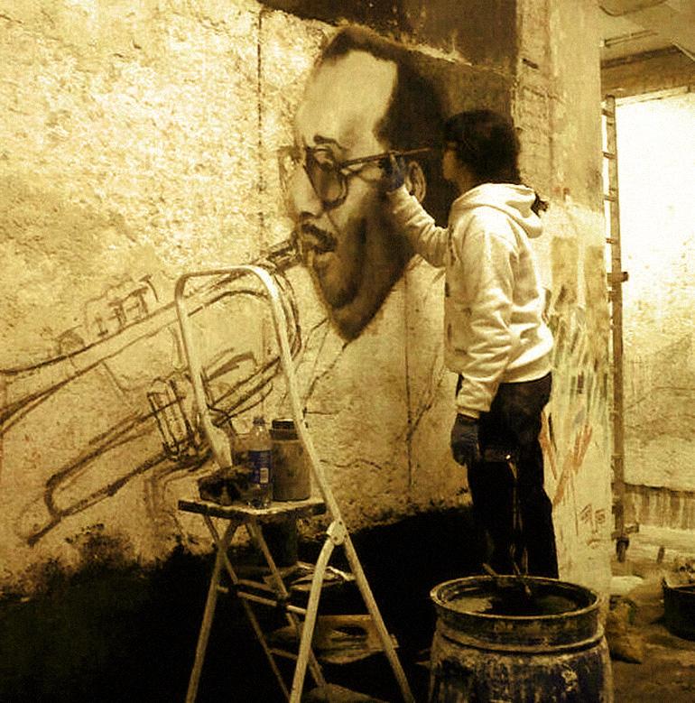 Pilar-pintando